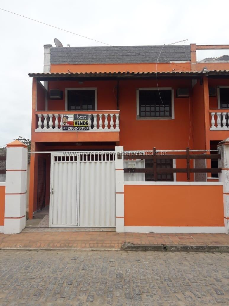 Casa Triplex no centro de Monte Alto com linda vista para a Lagoa